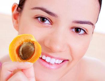 Маски из абрикоса для лица
