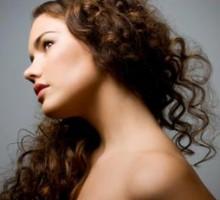 вьющиеся волосы уход