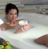 Какова польза молочной ванны?