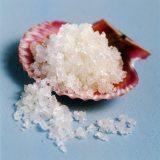 Соль поможет избавиться от черных точек на лице