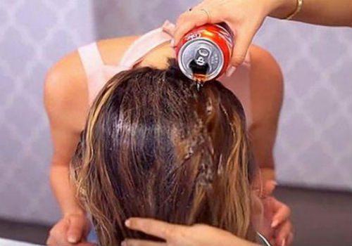 вымыть голову колой