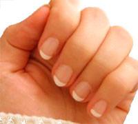 появились белые пятна на ногтях