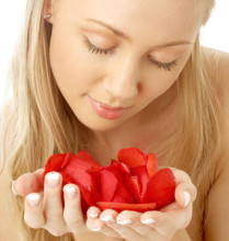 Лепестки роз для лица