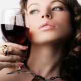 Полезно ли вино для волос