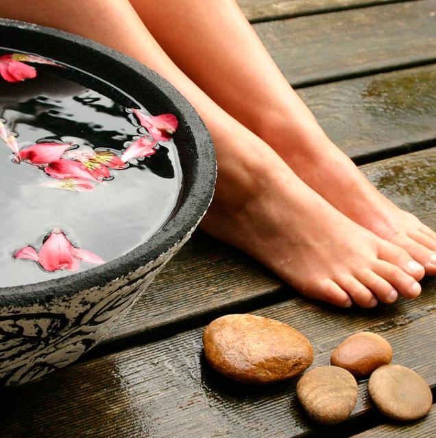 Ванночки с морской солью для ног – польза и рецепты