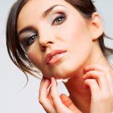 Упражнения для подтяжки лица сделают кожу молодой и красивой