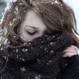 Уход за губами зимой: как защитить их от ветра и мороза
