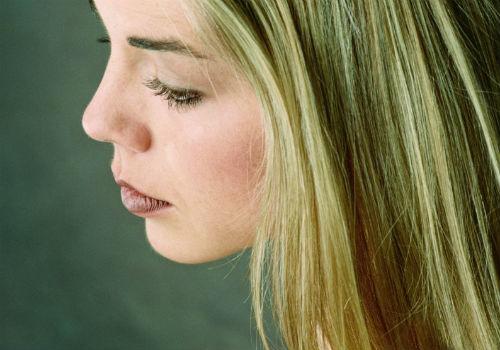 как нетрализовать зеленый оттенок волос