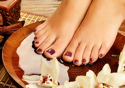 Почему ногти на ногах становятся толстыми