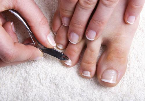 как подстричь толстые ногти