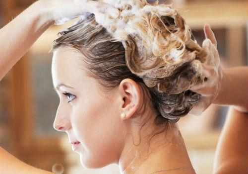 мыть волосы содой