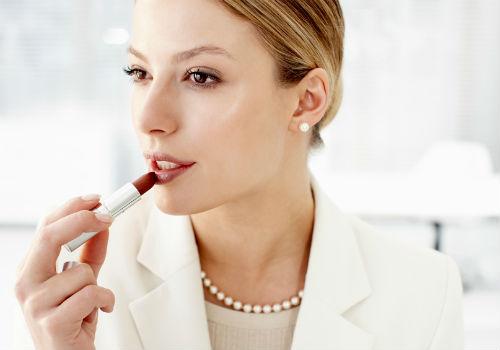 позаботьтесь о губах