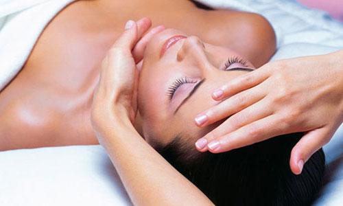 Омоложение лица во время процедур испанского массажа