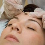 Механическая чистка лица в домашних условиях и у косметолога