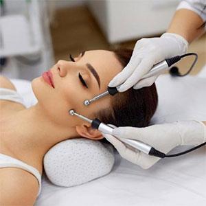 Как выполняется микротоковая терапия для лица