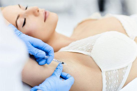 Как проводится лечение гипергидроза ботоксом