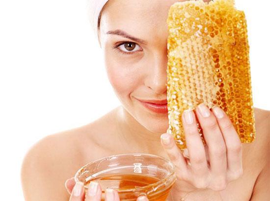 Мёд от прыщей на лице